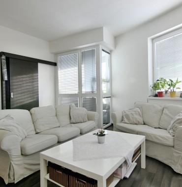 Na predaj NÁDHERNÝ 4 izbový byt  vo veľmi žiadanej lokalite na Koniarekovej v oplotenom bytovom dome
