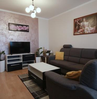 Na predaj pekný zrekonštruovaný 3 izbový byt na Hlinách v Trnave