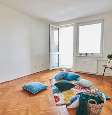 Rezervované 3 izbový byt 68 m2 + balkón, čiastočná rekonštrukcia vo vyhľadávanej lokalite, Hospodárska
