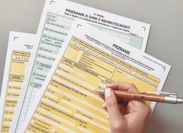 Kto je povinný platiť daň z nehnuteľností a podať daňové priznanie v roku 2021?